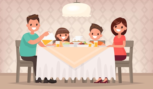 Vater, mutter, sohn und tochter sitzen zusammen am tisch und essen zu mittag
