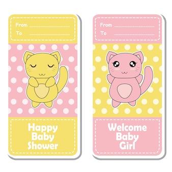 Vector cartoon illustration mit niedlichen rosa und gelb baby katzen auf polka dot hintergrund geeignet für baby-dusche-label-design, banner-set und einladungskarte
