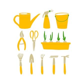 Vektor-illustration von gartengeräten im doodle-stil. set von gartensymbolen - gießkanne, sprüher, eimer, gartenschere, zwiebeltopf, schaufel, rechen. gestaltung von postkarten, postern und websites