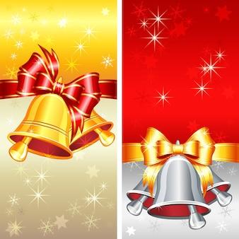 Vektor rote und goldene grußkarte mit weihnachtsglocken, bogen und schneeflocken