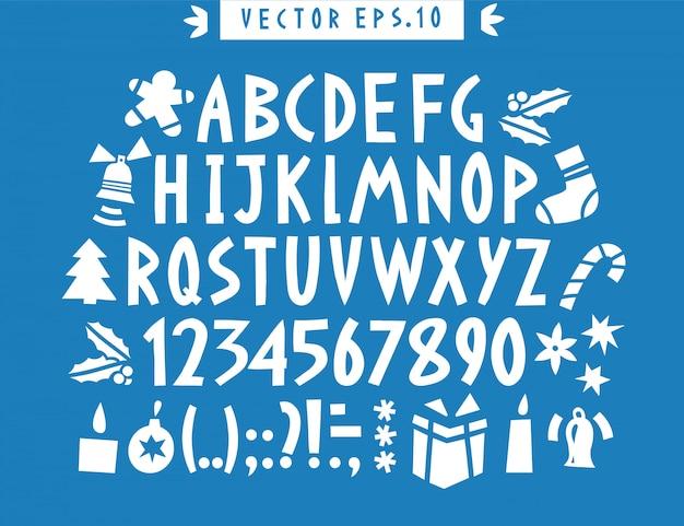 Vektorhand gezeichnetes lustiges alphabet. handgezeichnete lateinische buchstaben, zahlen und weihnachtsikonen. weihnachtsbeschriftung.