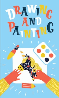 Vektorkarikatur colorfulf malen und zeichnen kinderfahnen. kreativer vorgang. vektorgrafik von tischplatte, kinderhände, bleistift, papier, pinsel, farbe mit handgezeichnetem bild, pinsel, farben