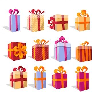 Vektorsatz verschiedene bunte perspektivengeschenkboxen. schöner geschenkkarton mit überwältigender schleife. weihnachtsgeschenk-box.