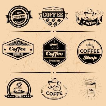 Vektorsatz von kaffeeetiketten, designelementen, emblemen und abzeichen. isolierte logoillustration im weinlesestil. vorlagensammlung.