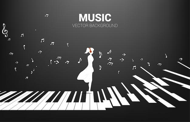 Vektorschattenbild der frau, die mit klavierschlüssel mit fliegender musiknote steht. konzept hintergrund klaviermusik und erholung.