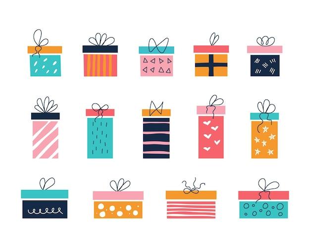 Vektorset aus bunten geschenkboxen in verschiedenen größen mit schleifen im stil flacher kritzeleien