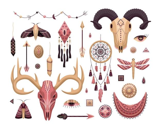 Vektorset von boho-illustrationen. flacher stil. traumfänger, tierschädel, federn und pfeile