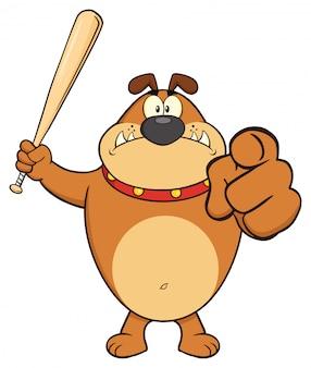Verärgerter brown-bulldoggen-karikatur-maskottchen-charakter, der einen schläger und ein zeigen hält