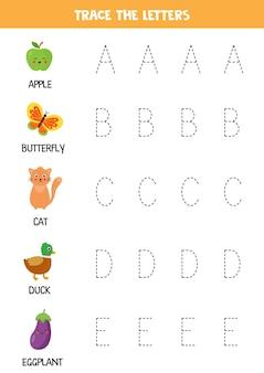 Verfolgen sie buchstaben des englischen alphabets. handschriftübungen für kinder im vorschulalter.