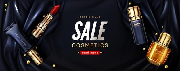 Verkaufsfahne mit kosmetischen produkten auf schwarzer seide
