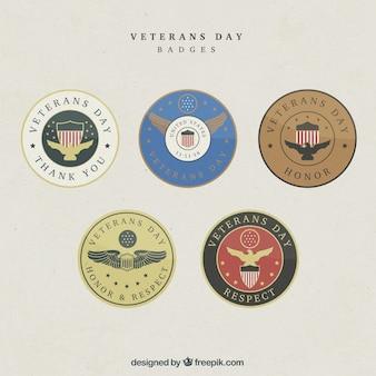 Verschiedene abzeichen für veteranen-tag