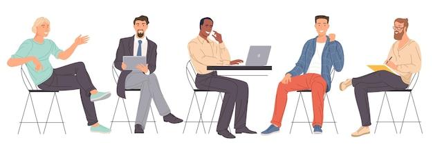 Verschiedene charaktere der flachen designvektorkarikatur von jungen männern, die im büro arbeiten.