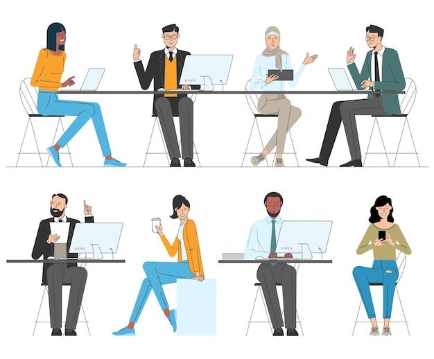 Verschiedene charaktere junger männer und frauen, die im büro arbeiten