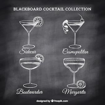 Verschiedene cocktails zeichnungen auf einer tafel