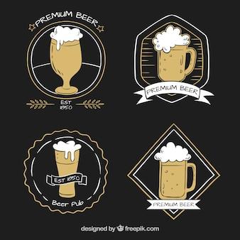 Verschiedene handgezeichnete bieraufkleber