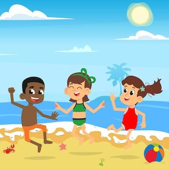 Verschiedene kinder springen und genießen am meeresstrand.