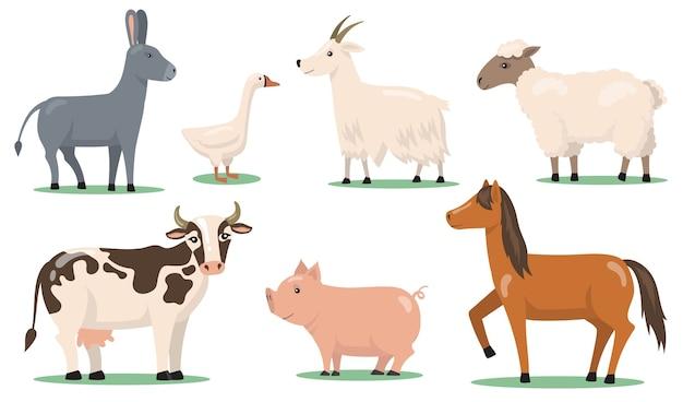 Verschiedene tiere und haustiere auf bauernhof flach clipart-set. zeichentrickfiguren von pferd, schaf, schwein, ziege, gans und esel isolierten vektorillustrationssammlung.