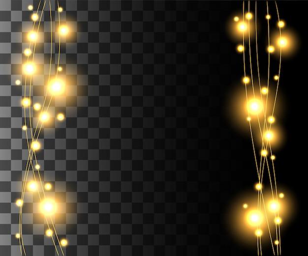 Vertikal leuchtende hellgelbe glühbirnen für feiertagsgirlanden-weihnachtsdekorationseffekt auf dem transparenten hintergrundwebsite-seitenspiel und dem design der mobilen app