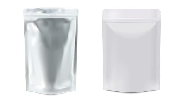 Vertikal versiegelte leere weiße plastik- und folienbeutel, 3 d realistisch. realistische leere lebensmittelverpackung