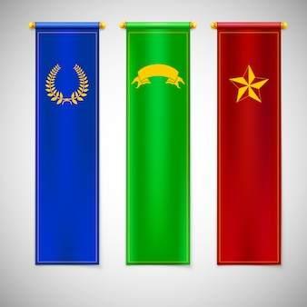Vertikale farbige fahnen mit emblemen