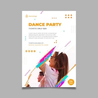 Vertikale flyer-vorlage der tanzenden partei
