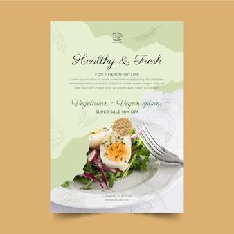 Vertikale flyer-vorlage für ein gesundes restaurant
