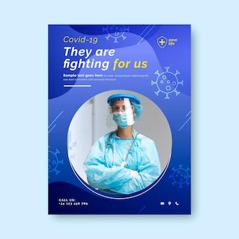 Vertikale flyer-vorlage für gradienten-coronavirus-impfungen