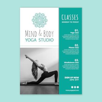 Vertikale flyer-vorlage für yoga-übungen