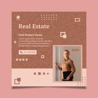 Vertikale quadratische vorlage für immobilien