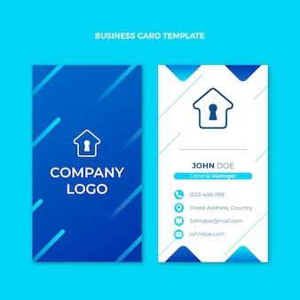 Vertikale visitenkartenvorlage für immobilien mit farbverlauf