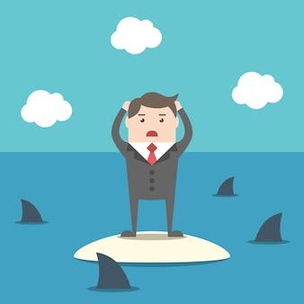 Verzweifelter geschäftsmann, der auf der insel im ozean unter haien steht. risiko-, krisen- und fehlerkonzept. flaches design. eps 8-vektor-illustration, keine transparenz