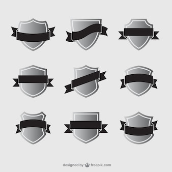 Vielfalt der schilde mit bändern