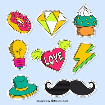 Vielzahl von hand gezeichnet patches in farben