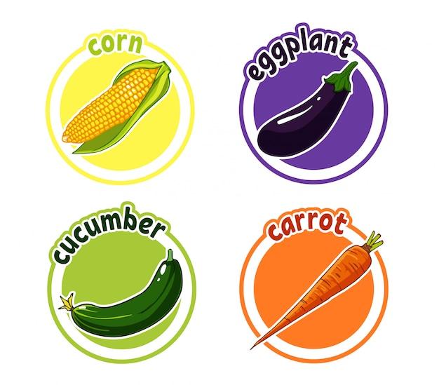 Vier aufkleber mit unterschiedlichem gemüse. mais, auberginen, gurken und karotten.