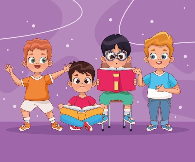 Vier kleine jungenfiguren