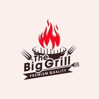 Vintage grills grill mit gabel und feuerflammenlogo