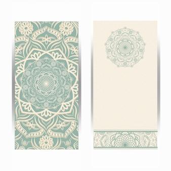 Vintage hochzeits-einladungskarte mit mandalamuster, blumenmandalamuster und verzierungen. orientalisches design.