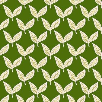 Vintage laub hinterlässt nahtloses muster im handgezeichneten stil. grüner hintergrund. vektorillustration für saisonale textildrucke, stoffe, banner, hintergründe und tapeten.