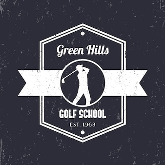 Vintage-logo der golfschule, abzeichen, zeichen mit golfspieler, golfspieler schwingenden golfschläger, illustration