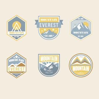 Vintage outdoor camp abzeichen und logo embleme