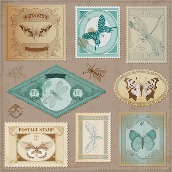 Vintage post briefmarken mit kalligraphischen handgezeichneten schmetterlingen