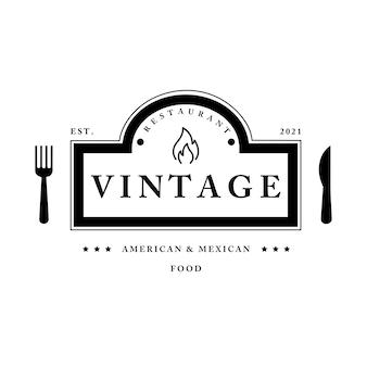 Vintage restaurant logo vorlage vektorobjekt für logo oder abzeichen gabel- und messervektor