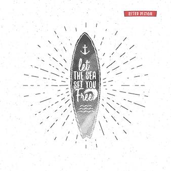 Vintage surfgrafiken und poster für webdesign oder print. surfer, schriftzug im strandstil. surf-typografie-abzeichen. surfbrettsiegel, elemente, symbole. internat im sommer. hipster-abzeichen, patch.