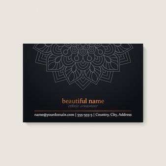 Visitenkarteschablone mit ethnischem mandaladesign