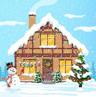 Vorstadthäuser bedeckten schnee. gebäude in feiertagsverzierung. weihnachtslandschaftsbaumfichte, schneemann. frohes neues jahr dekoration. frohe weihnachten. neujahrsfeier. illustration
