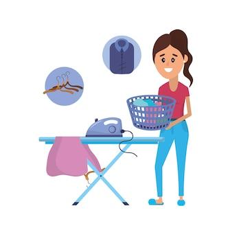 Wäschereiausrüstung und -frau, die einen inländischen job tun