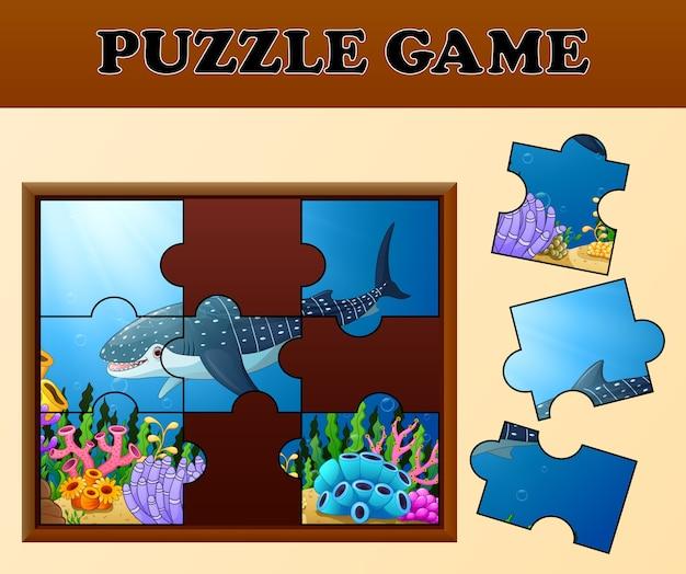 Walhai im unterseeboot mit puzzlespielkonzept