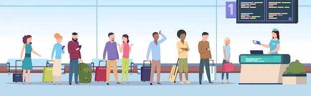 Warteschlange am flughafen. flugzeugpassagiere überprüfen die registrierung des flughafenterminals. reisende menschen, gepäck wartet im tor. konzept