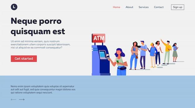 Warteschlange von personen, die für die verwendung von geldautomaten stehen