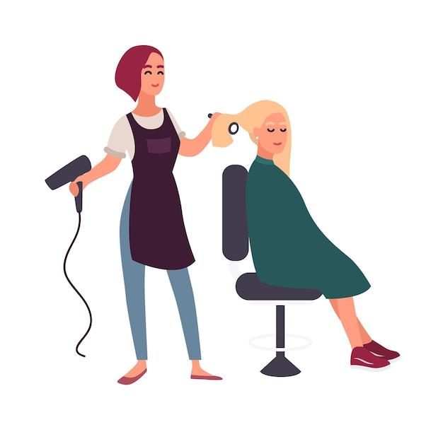 Weiblicher friseur föhnt mit föhnhaaren ihres lächelnden kunden, der im stuhl sitzt. glückliche frau im friseursalon lokalisiert auf weißem hintergrund. flache cartoon bunte vektor-illustration.